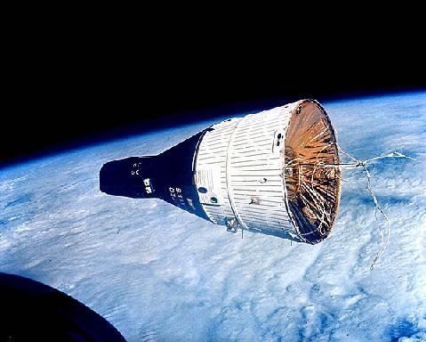 Gemini 7 capsule in orbit; photo by NASA, public domain