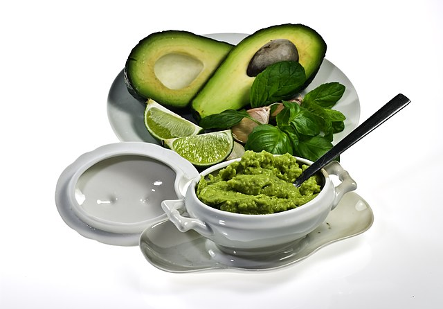 Guacamole, photo by Nikodem Nijaki, Wikimedia Commons